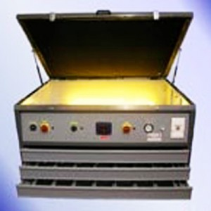 ESPOSITORE A LUCE UV MOD. 3 IN 1 CON NEON A 3 CASSETTI